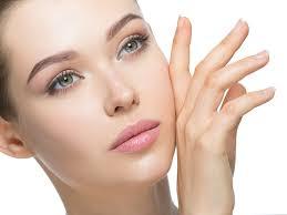 Acido glicolico, elemento naturale utilizzato nei prodotti per la cura della pelle
